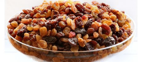 Are Raisins a Good Snack Choice?